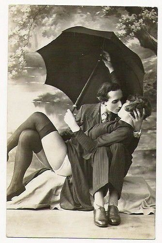 Kissing couple vintage style